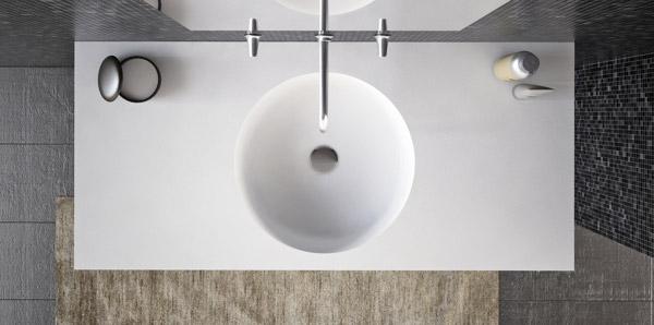 Фото в интерьере круглой накладной раковины на столешницу для ванной Isola Bella -2